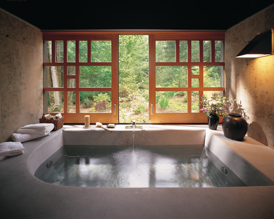 Indoor-Rock-Jacuzzi-Tub